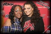 Lady in Plad with Amber Ambrosius