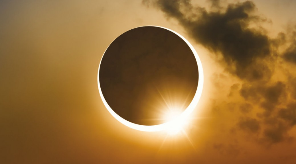 total-solar-eclipse_cyx2he